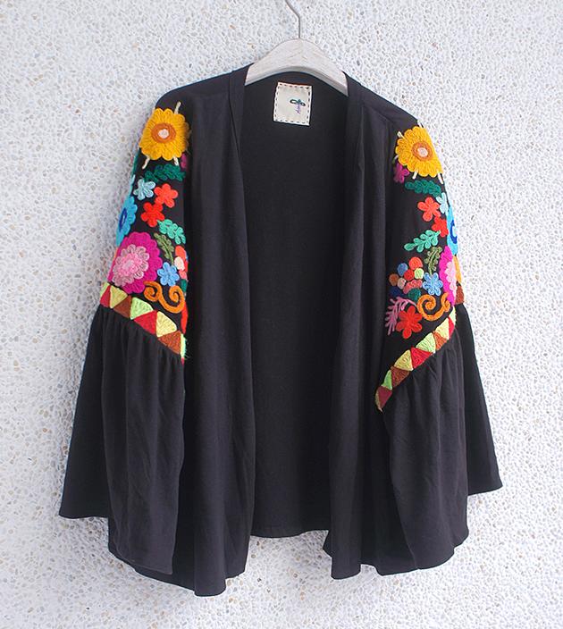 花繡水袖外套 3